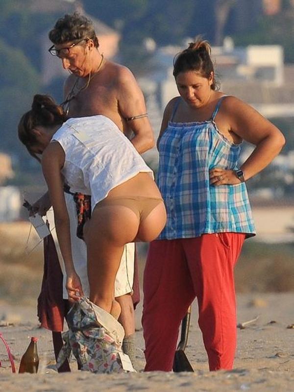 Malena Costa en tanga, fotos culos famosas