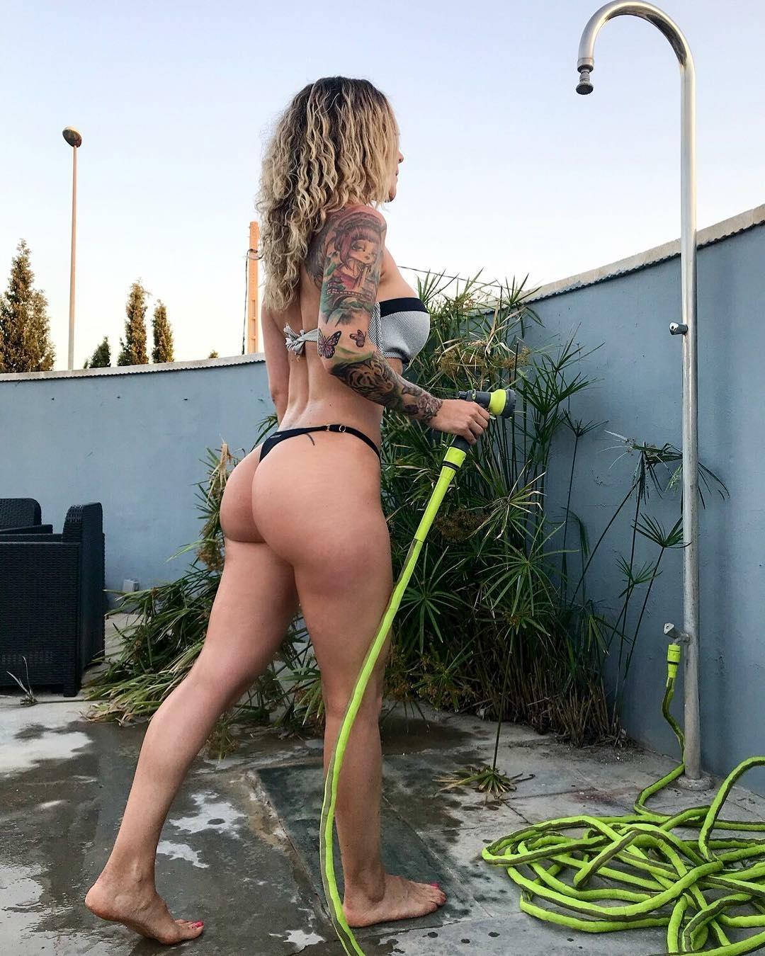Sandra Galera, fotos de famosas, culos de famosas, tatuadas