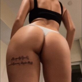 Malu Trevejo Pack Onlyfans culazo con diferentes tangas